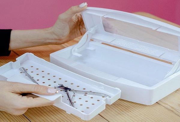 How to choose box for sterilization and storage of manicure tools