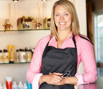 How can a beautician work effectively as a self-employed?